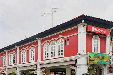 RedDoorz near Marine Parade Central (SG Clean)