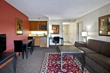 Chicago Club Inn Suites