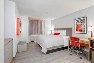 The St. Clair Hotel Magnificent Mile