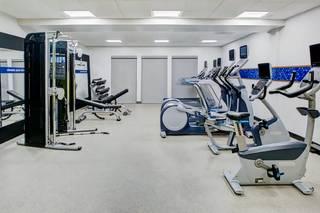 Hampton Inn & Suites by Hilton Irvine - Orange County Airport
