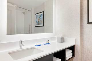 Holiday Inn Express & Suites Boston - Cambridge