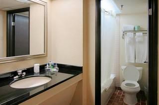 Atrium Hotel & Suites
