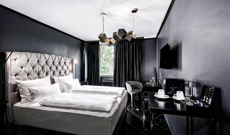 Hotel Belmont Classic