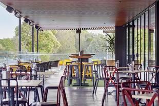 Holiday Inn Warwick Farm