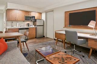 Four Points by Sheraton Toronto Airport East