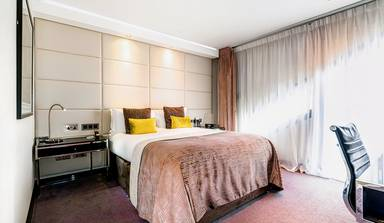 M by Montcalm