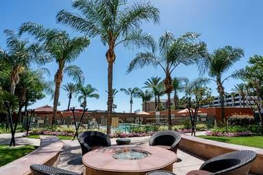 Courtyard by Marriott Los Angeles Burbank Airport