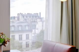 Renaissance Paris République