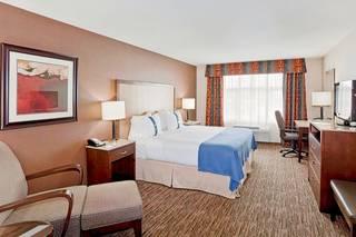Holiday Inn & Suites Surrey East - Cloverdale