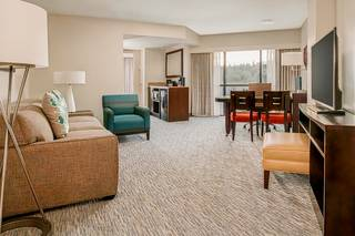 Embassy Suites Seattle - Tacoma International Airport