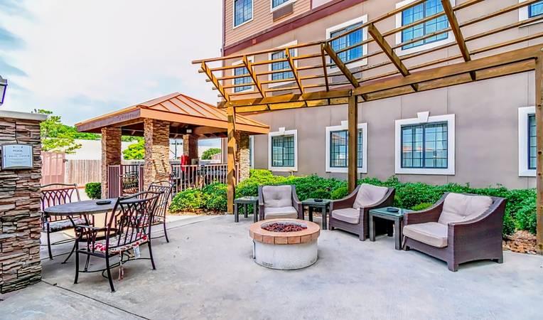Staybridge Suites Houston - IAH Airport