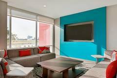 avid hotel Boston Logan Airport - Revere