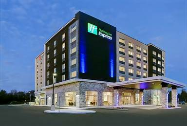 Holiday Inn Express Kingston West