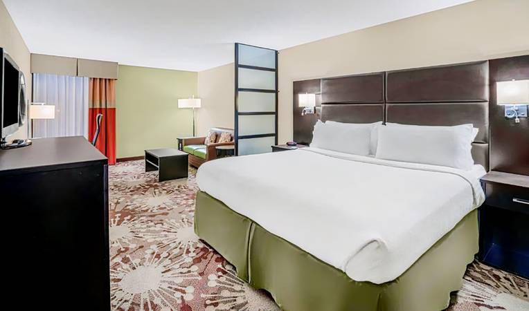 Holiday Inn Morgantown/Pennsylvania Turnpike Exit 298