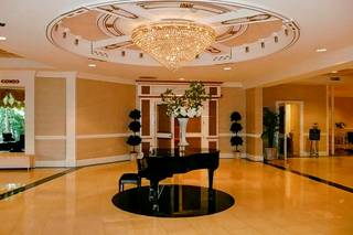 The Wilshire Grand Hotel