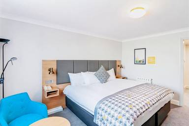 Holiday Inn Hemel Hempstead M1, J8