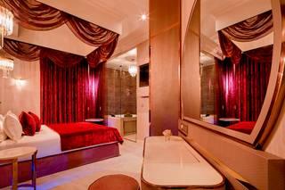 Paris j'Adore Hotel & Spa