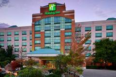 Holiday Inn & Suites Oakville at Bronte, an IHG Hotel