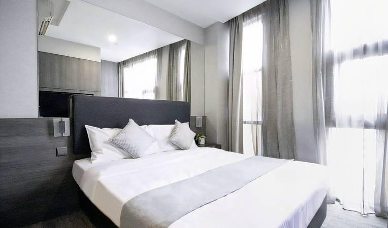 Hotel NuVe Stellar (formerly Aqueen Kitchener)