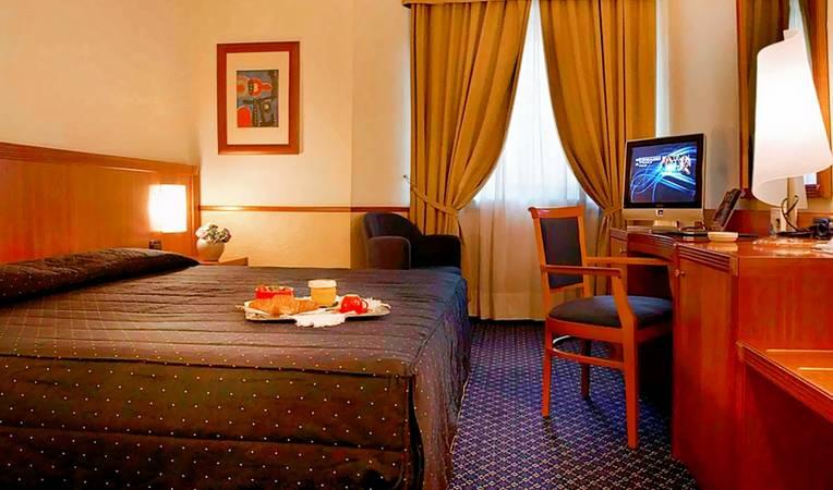 Pacific Hotel Fortino