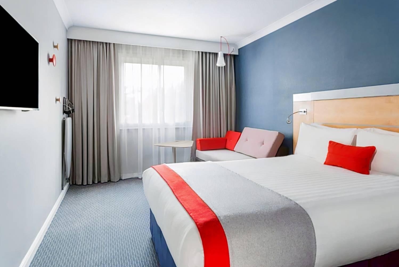 Holiday Inn Express - Park Royal