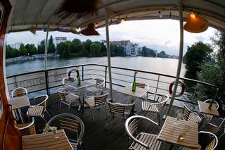 Eastern Comfort Hostel & Hotel Boat