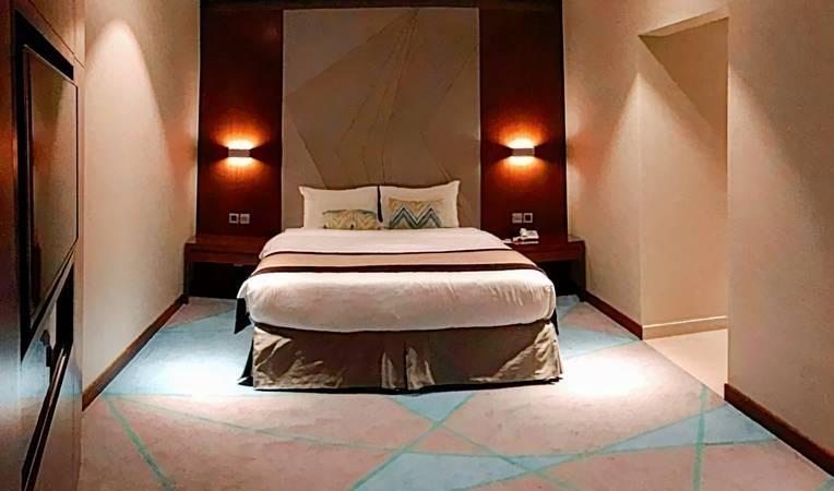 Versailles by Raviz Hotel