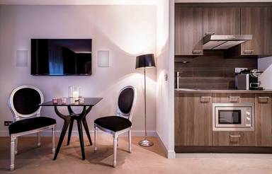 Rayz Private Suites