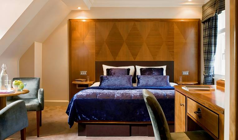 Radisson Blu Edwardian Kenilworth Hotel, London
