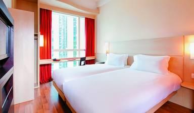 Ibis Hong Kong Central and Sheung Wan Hotel
