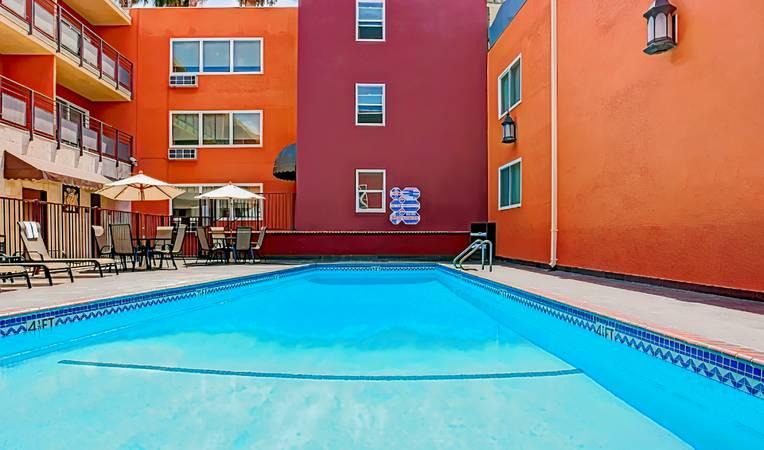 Ramada Los Angeles/Downtown West