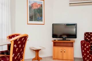 Pegasus Motor Inn & Serviced Apartments